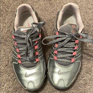 grey and pink nike shox